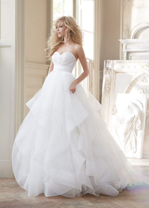 hayley-paige-bridal-strapless-natural-ball-silk-crossover-bodice-tulle-skirt-horsehair-flounces-chapel-6358_zm